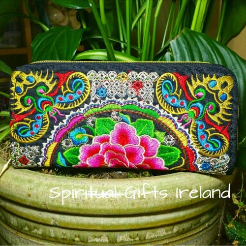 Tapestry Embroidered Lotus Flower Purse
