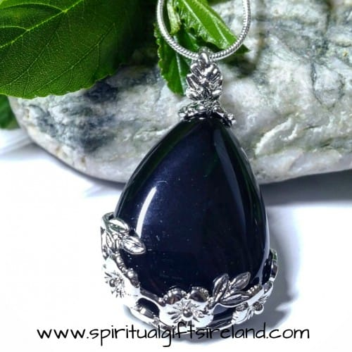 Black Onyx Flower Pendant