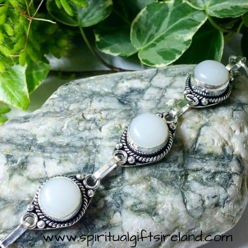 Jade Harmony White Gemstone Crystal Bracelet